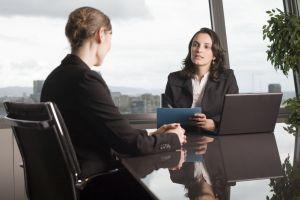 Interviul de angajare: 41 cele mai comune intrebari si cum raspunzi la ele