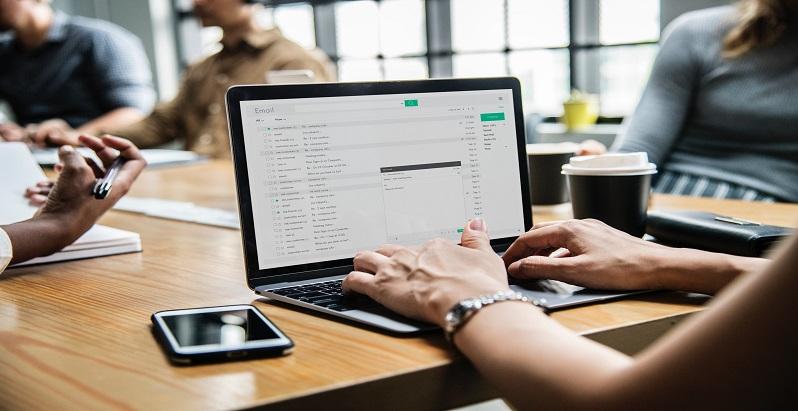 Recrutarea candidatilor: modele de e-mailuri pe care companiile trebuie sa le trimita